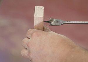 hacer agujero en madera